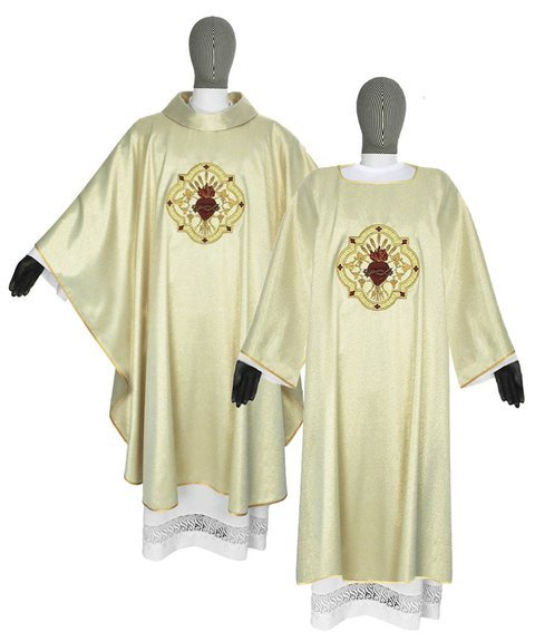 Gold set of Gothic Chasuble and Dalmatic Sacred Heart of Jesus model 118